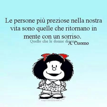 Las personas más preciosas en nuestra vida son aquellas que vienen a la mente con una sonrisa.