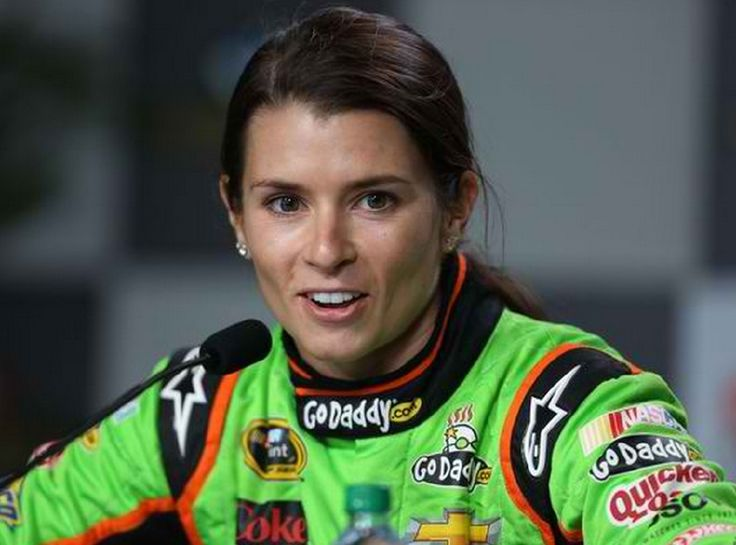 Charlotte's week at a glance: Danica Patrick may be leaving, Hornets suffer injury bug