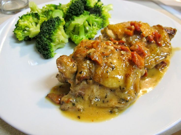 I Believe I Can Fry: Pan-Seared Chicken Thighs in Sun-Dried Tomato Cream Sauce