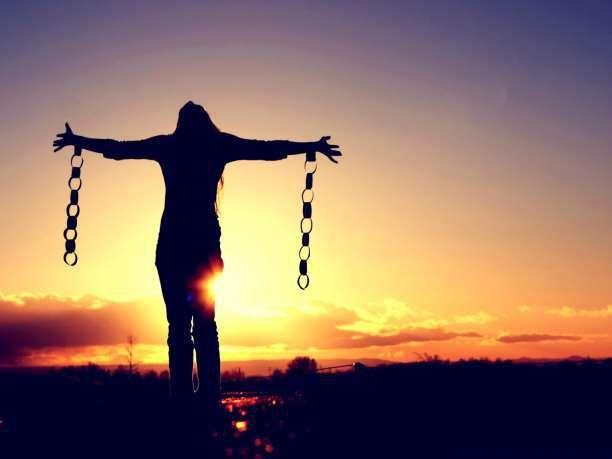 Διατυπώστε την προσωπική σας «διακήρυξη της ανεξαρτησίας», σαρώνοντας αλύπητα κάθε εκμετάλλευση.