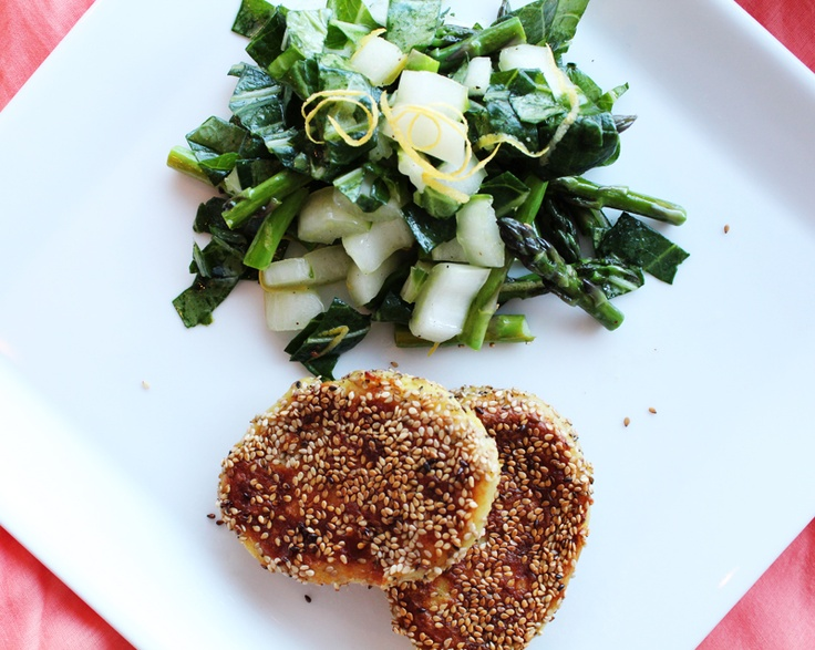 Fish cakes with pak choy and asparagus salad