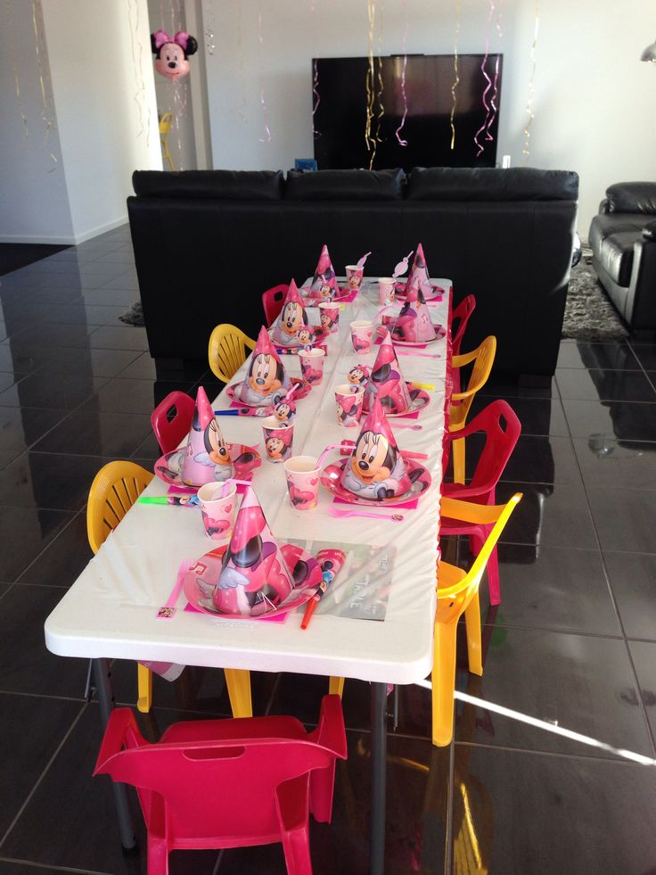 Table set up Minnie Mouse