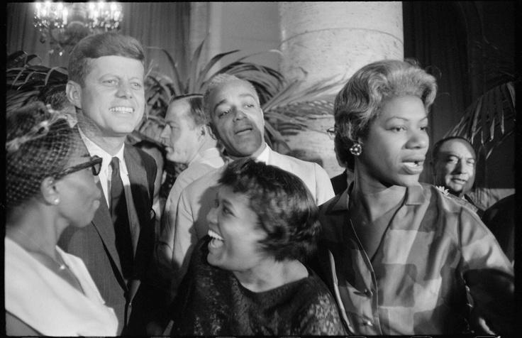 Garry Winogrand photographed everyone from workers to future presidents - http://thismagnificentlife.blog.com/?p=417