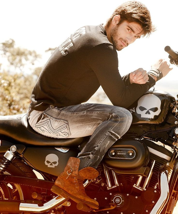 Love this retro biker style....maybe it will be part in my collection for 2012...Hot man by ecHe.