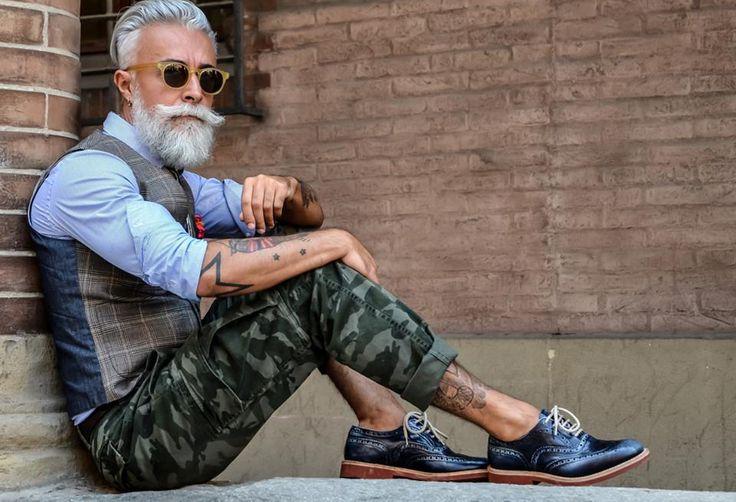 Negli ultimi anni impazza questa tendenza chiamata hipster che ha ormai conquistato il web, le strade e anche le passerelle internazionali. il termine nasce negli anni Quaranta: per definire i ragazzi bianchi che emulavano lo…