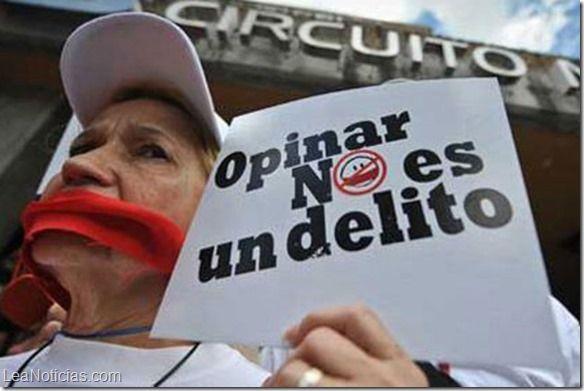 Sólo 2% de los latinoamericanos tiene acceso a la prensa libre e independiente - http://www.leanoticias.com/2014/07/12/solo-2-de-los-latinoamericanos-tiene-acceso-a-la-prensa-libre-e-independiente/