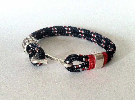 Pulsera en cordón de algodón azul oscuro, blanco y rojo con cierre nautico