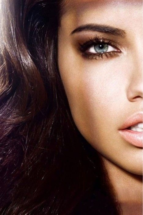 makeupBeautiful Makeup, Girls Crushes, Eye Makeup, Adriana Lima, Blue Eye, Victoria Secret Angels, Eyemakeup, Adrianalima, Smokey Eye