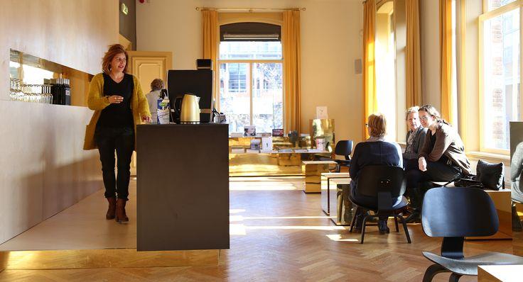 studio-EI -- Museum Hilversum. Interieurontwerp, meubelontwerp en inrichting, keukenontwerp. Ontwerp: www.studio-ei.nl ism Pudelskern. Fotografie: studio-EI
