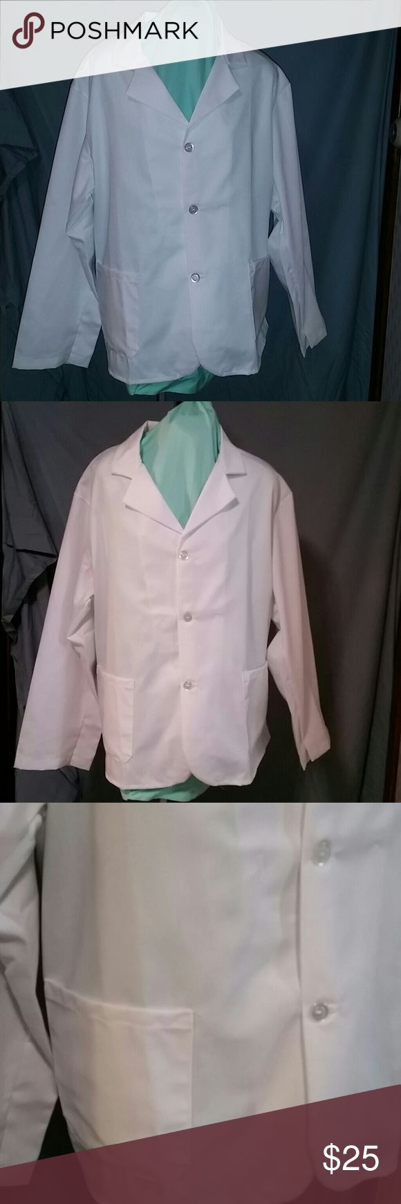 Med / lab coat White  size L medical / lab coat button up and pockets marketing force Other