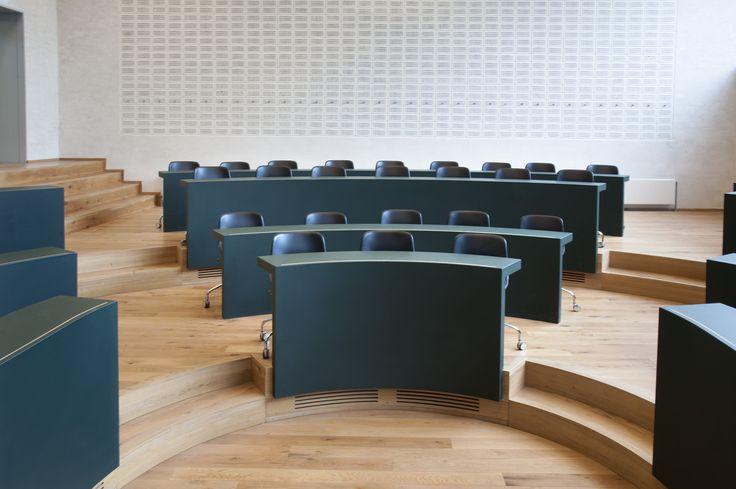 Auditorium DTU – Danmarks Tekniske Universitet – Desk – PO Inventar ¬– Arkitema - surface - Desktop - Furniture Linoleum - Forbo