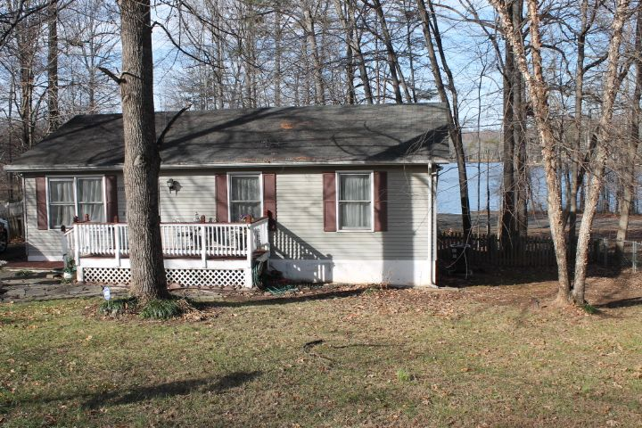 For Sale Stafford County, Virginia Waterfront at an affordable cost. Adorable rambler on half acre. Interior offers wood floor, ceramic baths and gorgeous views of the lake. Exterior offers large deck, shed, fenced in rear yard with 52 feet of water frontage. Minutes to Quantico Base, schools, shopping and commute.