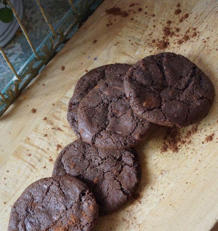 En saftig kaka med kaka, kräm och kokos. Ett enkelt recept på en klassisk mjuk kaka.