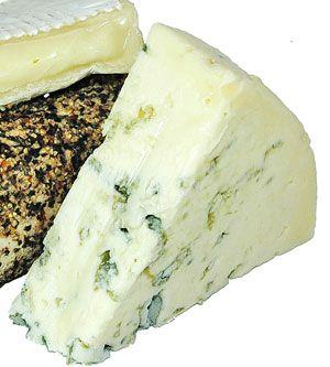 Broccolitaart met spekjes en blauwe kaas