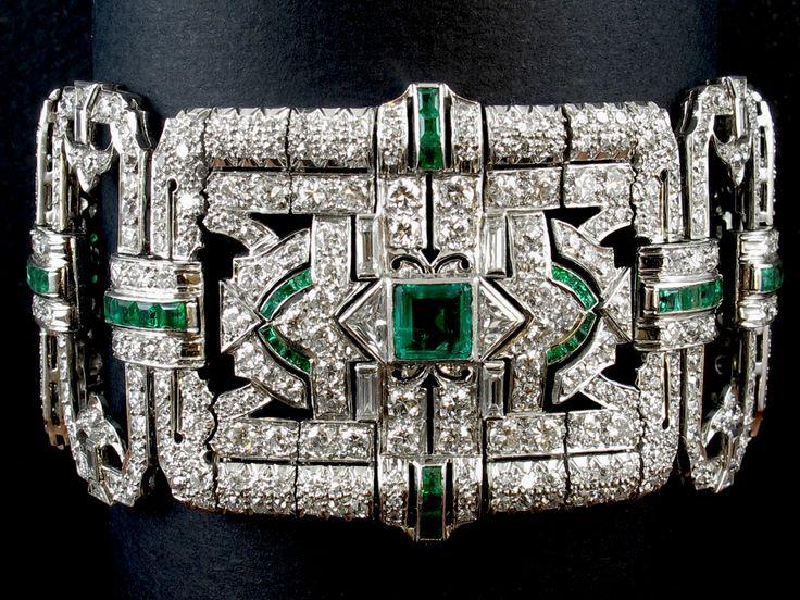 Bracciale, platino, diamanti, smeraldi, Yard, USA, 1935 circa   Gioielleria Pennisi