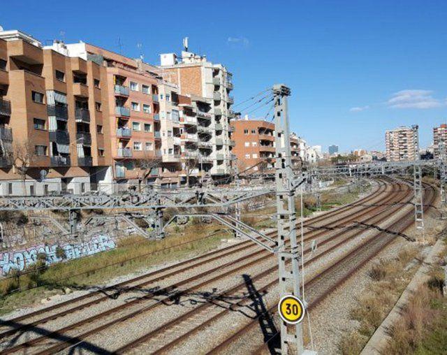 Los Datos Del Proyecto De Soterramiento De Las Vías Del Tren L Hospitalet Partit Dels Socialistes De Catalunya Vías Del Tren Tren Cementerio Municipal