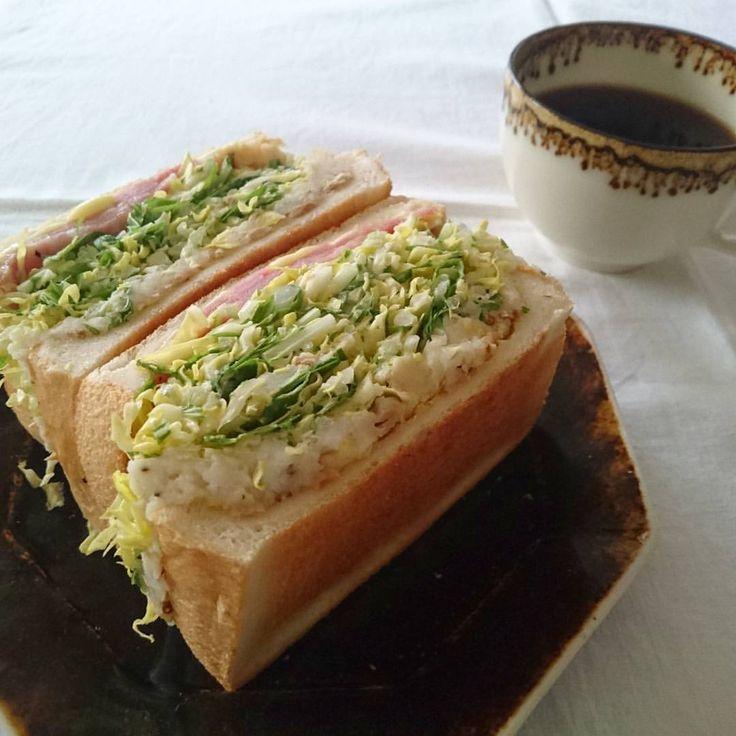 いいね!550件、コメント1件 ― おおぬまゆきさん(@yuki0207float)のInstagramアカウント: 「. . 久しぶりに沼サンpost。 ベーコンダブルとツナポテト、半端野菜(キャベツ、水菜、玉ねぎ)集めて。 . 今日は搬入でハードなので、ブランチしっかり食べとこ。 . . #沼サン…」