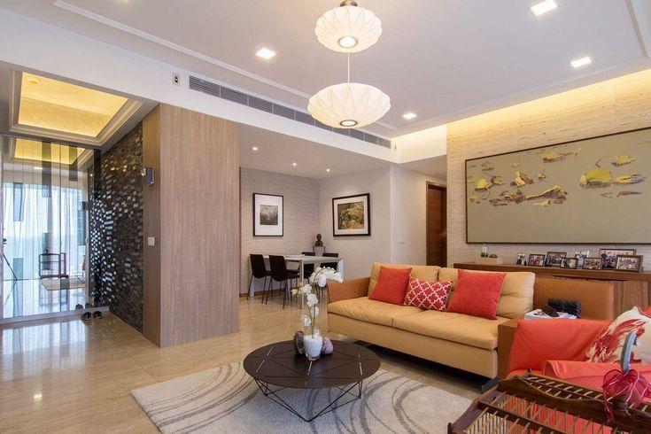 Компания KNQ Associates завершила работу над оформлением квартиры Elegant Contemporary Apartment в Сингапуре. Дизайн современных апартаментов демонстрирует большую коллекцию произведений искусства владельцев. Сочетание натуральных камней с такими материалами, как необработанная цементная стяжка и текстурированные обои, обеспечивает приглушенный фон для коллекции. Художественные произведения, которые были собраны более чем за последние два …