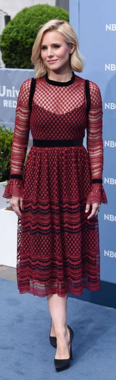 Kristen Bell: Dress – Philosophy di Lorenzo Serafini  Jewelry – Ileana Makri