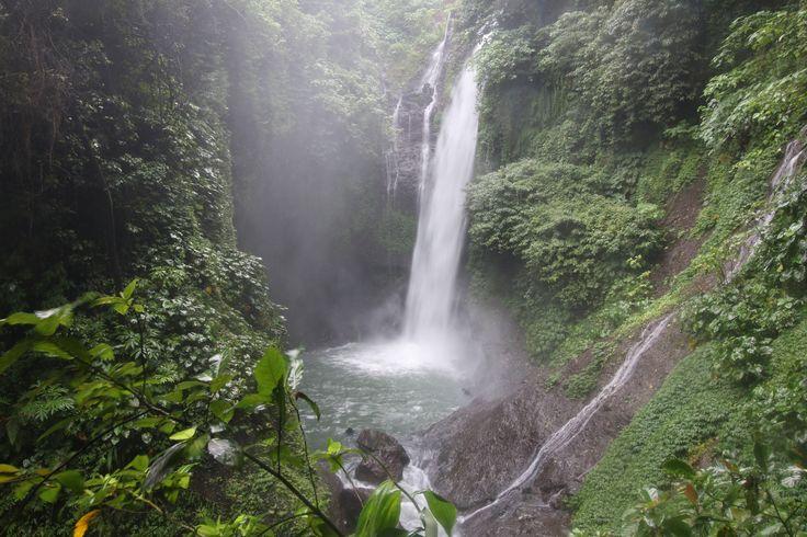 Aling Aling waterfalls, Bali