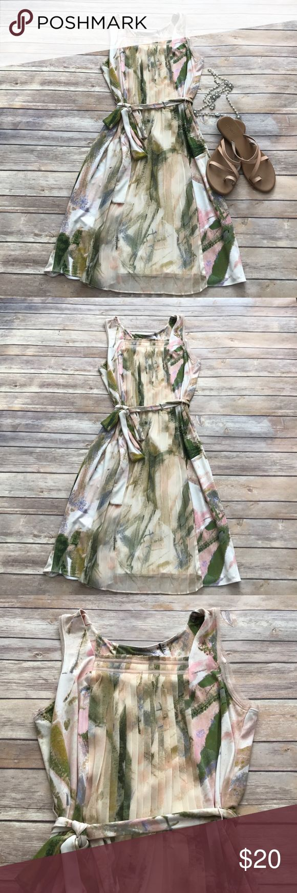 "Simply Vera watercolor dress Beautiful Simply Vera watercolor floral dress in EUC. Measures 37"" in length, no holes or stains. Make an offer or bundle and save! Simply Vera Vera Wang Dresses Midi"