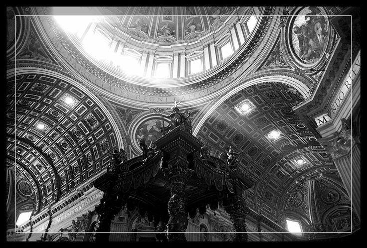 Vatican. For more: http://fototesty.pl/blog/173_watykan-swiatlem-malowany.html