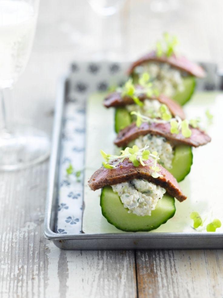 Komkommerhapje met lamsvlees http://njam.tv/recepten/komkommerhapje-met-lamsvlees