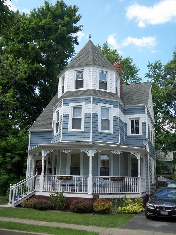 victorian houses Micoley's picks for #VictorianHomes www.Micoley.com