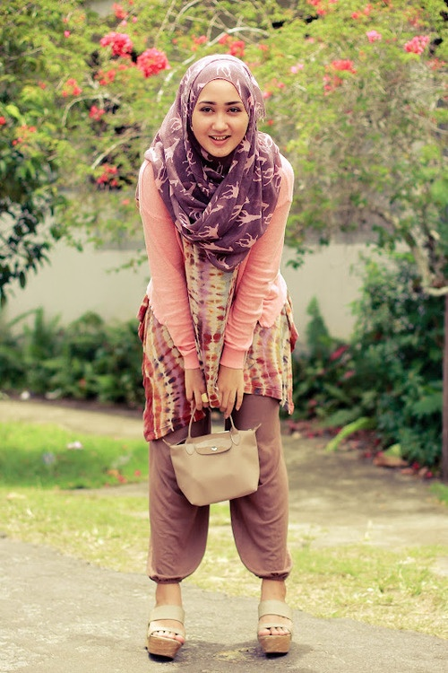 http://abayatrade.com   muslim fashion magazine  Islamic Fashion