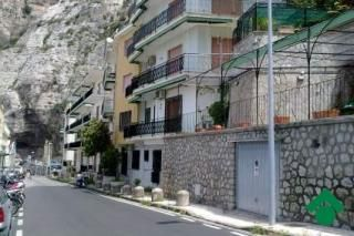 """""""Very nice apartment, just a few steps away from the beach, situated in the quiet Meta, and well connected with the main attractions of the Sorrento and Amalfi coasts. Suitable for families, couples or groups of people, who enjoy staying in a """"feel like home"""" apartment during their vacation. And last but not least there is Salvatore, the owner, a very nice person who'll help you anyway he can."""" Grazie a Salvatore per la sua attività di accoglienza…"""
