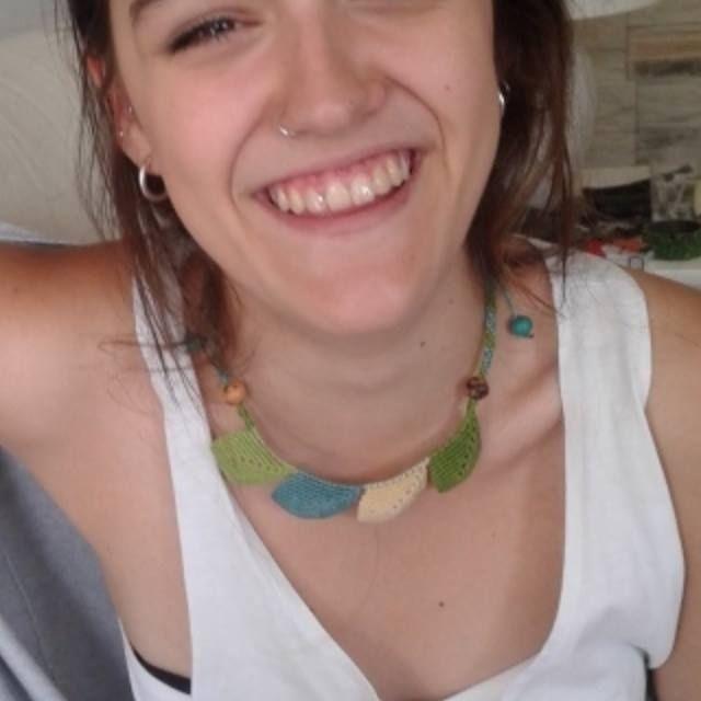 A todxs les gusta este collar!!!!a @itxaguirregabiria le ha encantado hoy nada mas verlo. Nuevo diseño de Hojas. En qué colores quieres el tuyo? #hojas #macrame #summer #handmade #pretty #smile #accesorios