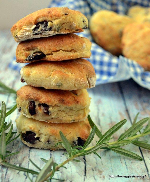 Ψωμένια μπισκότα (scones) με ελιές κ δεντρολίβανο - Olive rosemary scones