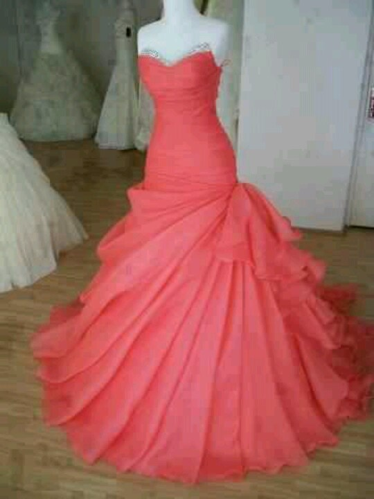 I would die for this to be my prom dress!