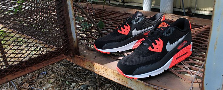 #Nike Air Max 90 Essential   Anthracite & Atomic Red