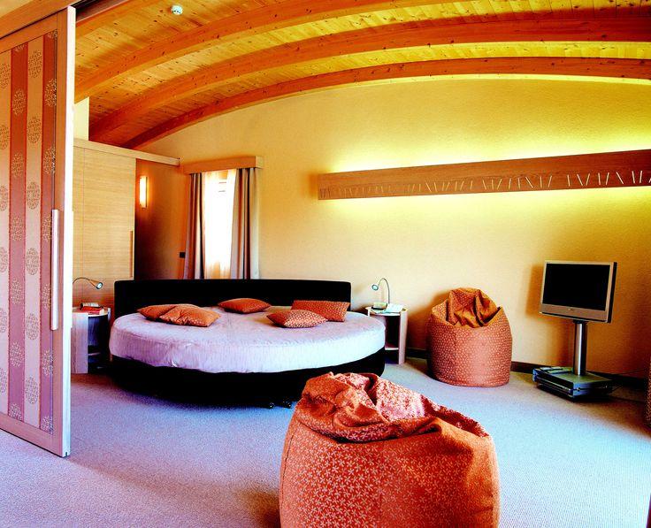 Pacchetti vacanza romantica - COLOR HOTEL:http://www.colorhotel.it/pacchetti-vacanza-lago-di-garda/pacchetti-vacanza-romantica