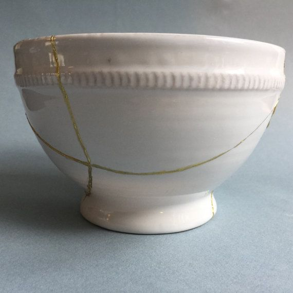 Kintsugi repaired white bowl by ArteEtBrocante on Etsy