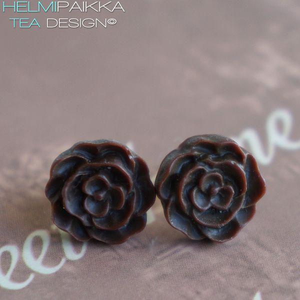 Tummanruskeat kukkanapit