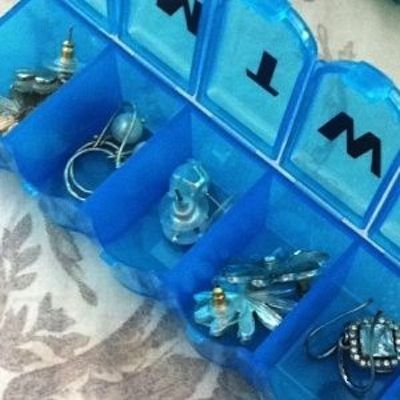 Pill Box As A Earring Organizer Another great traveling tip for your jewelry! Place rings and earrings in one of those daily pill boxes to k...