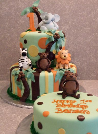 Safari Themed First Birthday Cake ( we want this one for landons first bday cake)