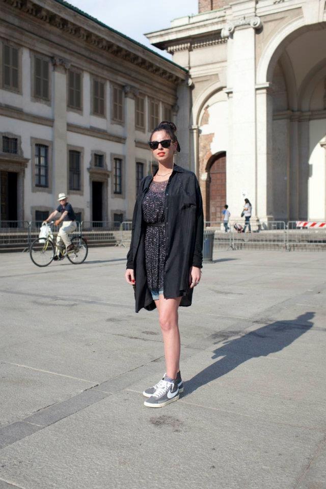 91496ba7709 Il Van AW LAB continua il suo viaggio per Milano in cerca dei look più  originali. Ecco gli ultimi street styler imm…   Porta Ticinese, Milano  #InTheCut ...
