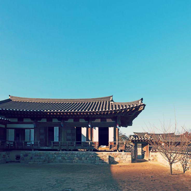 Traditionelles koreanisches Herrenhaus im Wolmi Park