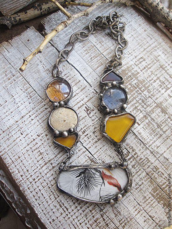 Ожерелье со стеклом и осколком фаянса. Техника тиффани. Необычные украшения, бохо украшения, подарок девушке, подарок женщине, подарок подруге.