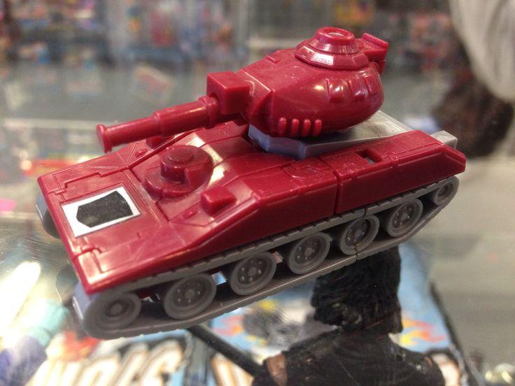 Hasbro Transformers G1 Warpath