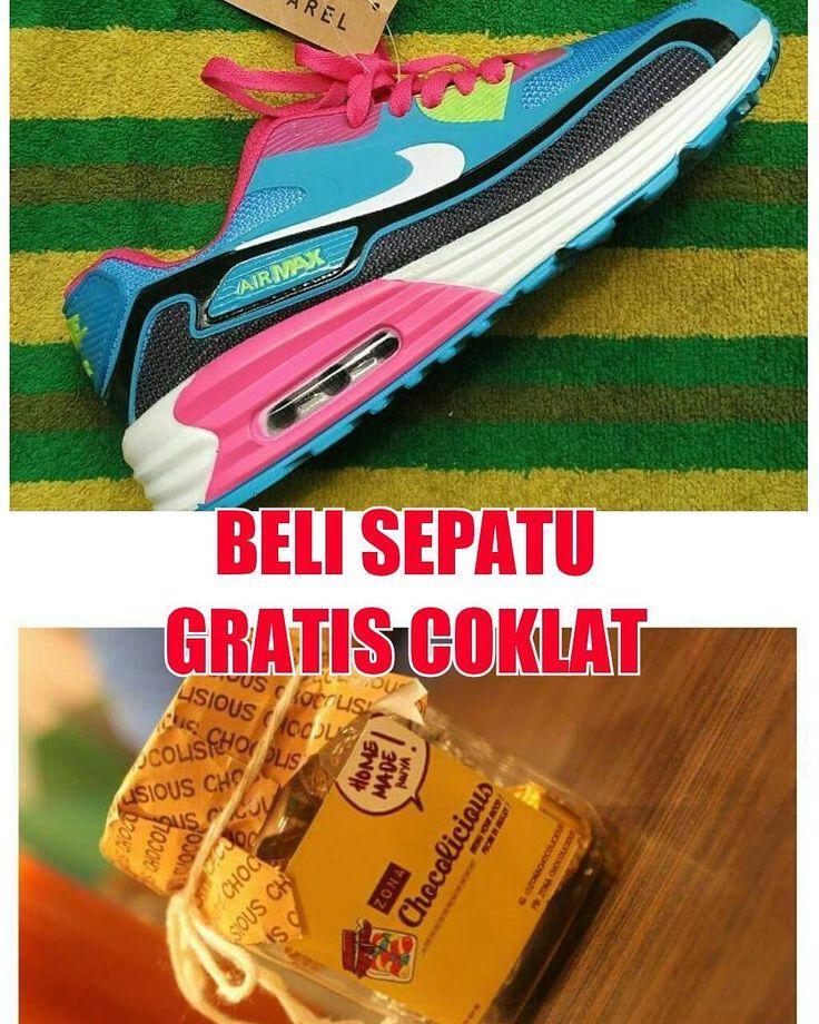 Nike Air Max GRATIS COKLAT 37-40 Rp. 265rb diskon 15rb. #valentine #valentineday #coklatvalentine #coklat @zonachocolicious @caredoc #sepatucewekmurah #sepatunike #sepatumurah #sepatucewek #sepatucowok #sepatukeren #sepatunikerunning #laripagi #sepatunikeairmax #sepaturunning #nike #sepatunikemurmer by sepaturunningnike