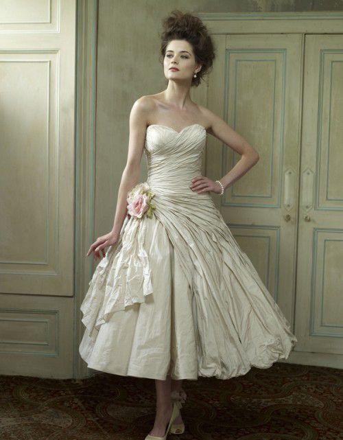 wedding-dress-trends-spring-summer-2012-Ian-Stuart
