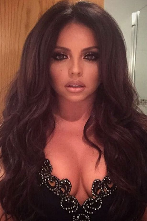 Jesy Nelson shows fans her bandaged arm after injuring herself on tour with…