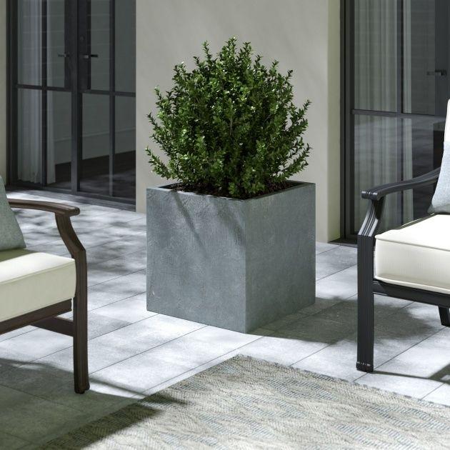 Modern Concrete Planter In 2020 Planter Pots Outdoor Concrete Pots Concrete Planters