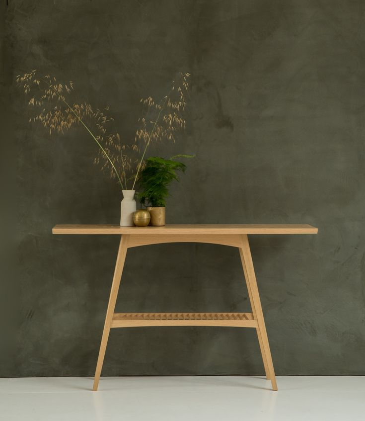 Aphelion Console designed by Byron & Gómez, made by Benchmark
