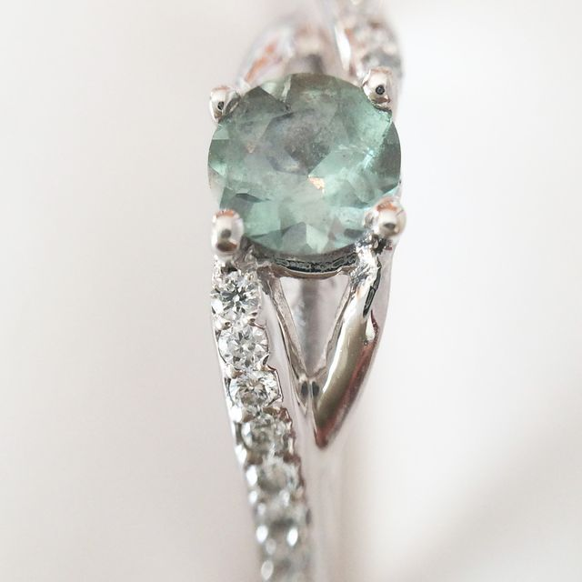 Alternative engagement ring with Alexandrite stone.