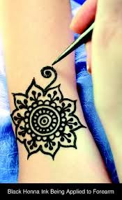 Henna pens, easy, safe, mess free and a whole lot of fun. Get an artist to do some fun designs